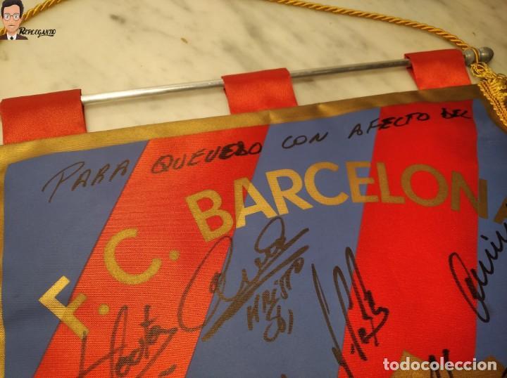 Coleccionismo deportivo: BANDERÍN FIRMADO F.C. BARCELONA - AUTÓGRAFOS 96 / 97 - RONALDO FIGO GUARDIOLA STOICHKOV ... (BARÇA) - Foto 18 - 269119663