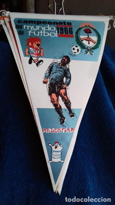 ARGENTINA CAMPEONATO MUNDIAL DE FUTBOL 1966 BANDERIN DE GIOR (Coleccionismo Deportivo - Banderas y Banderines de Fútbol)