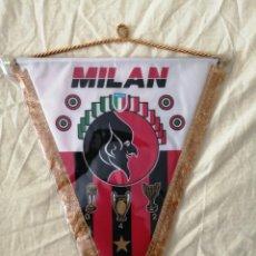 Coleccionismo deportivo: BANDERIN AC MILAN 38X30. Lote 277697143