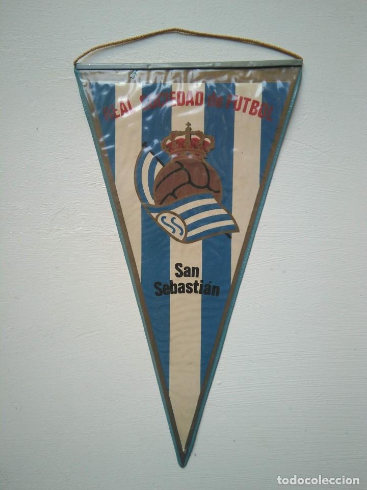 ANTIGUO BANDERÍN REAL SOCIEDAD DE FÚTBOL (Coleccionismo Deportivo - Banderas y Banderines de Fútbol)