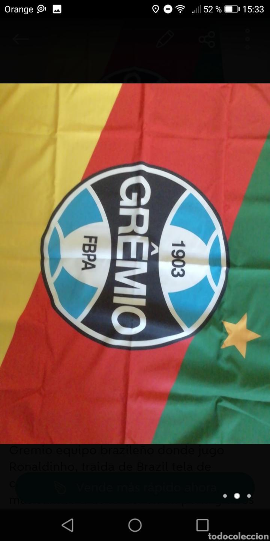 Coleccionismo deportivo: Bandera fútbol gremio 130 x85cm, equipo donde jugo Ronaldinho tela de calidad doble cara - Foto 2 - 278479878