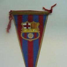 Coleccionismo deportivo: BANDERÍN DEL FC. BARCELONA CON AUTÓGRAFO. (23 X 11 CM). Lote 285538158