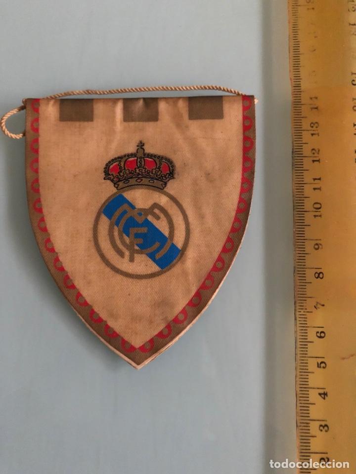 Coleccionismo deportivo: Real Madrid pequeño Banderin años 50-60 - Foto 2 - 288317018
