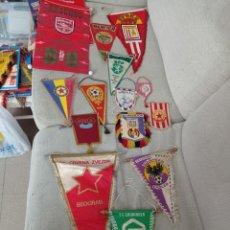 Coleccionismo deportivo: COLECCIÓN BANDERINES EQUIPOS AÑOS 80.. Lote 294095463