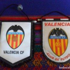 Coleccionismo deportivo: LOTE 2 BANDERÍN DE TELA DEL VALENCIA CF CLUB DE FÚTBOL. BUEN ESTADO.. Lote 294856163