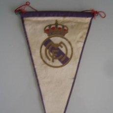 Coleccionismo deportivo: BANDERIN ORIGINAL DEL REAL MADRID. Lote 32473534
