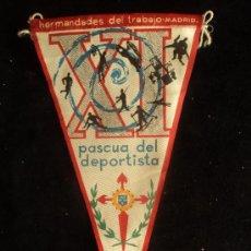 Coleccionismo deportivo: BANDERIN PASCUA DEL DEPORTISTA 1965 PLASTICO 26 CM. Lote 37172976