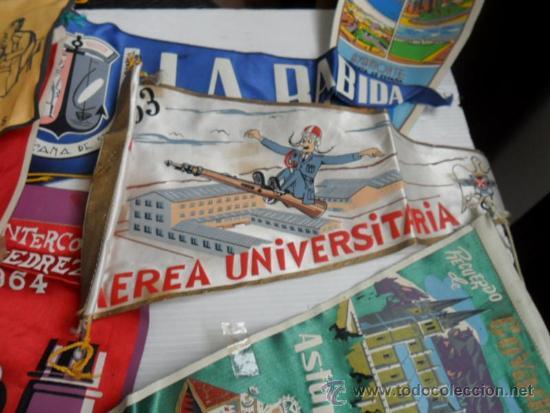 Coleccionismo deportivo: 16 banderines de los años 50 y 60 de huelva y varios - Foto 4 - 37769920