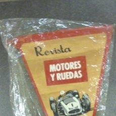 Coleccionismo deportivo: BANDERIN REVISTA MOTORES Y RUEDAS . COCHE CARRERAS. Lote 41981917