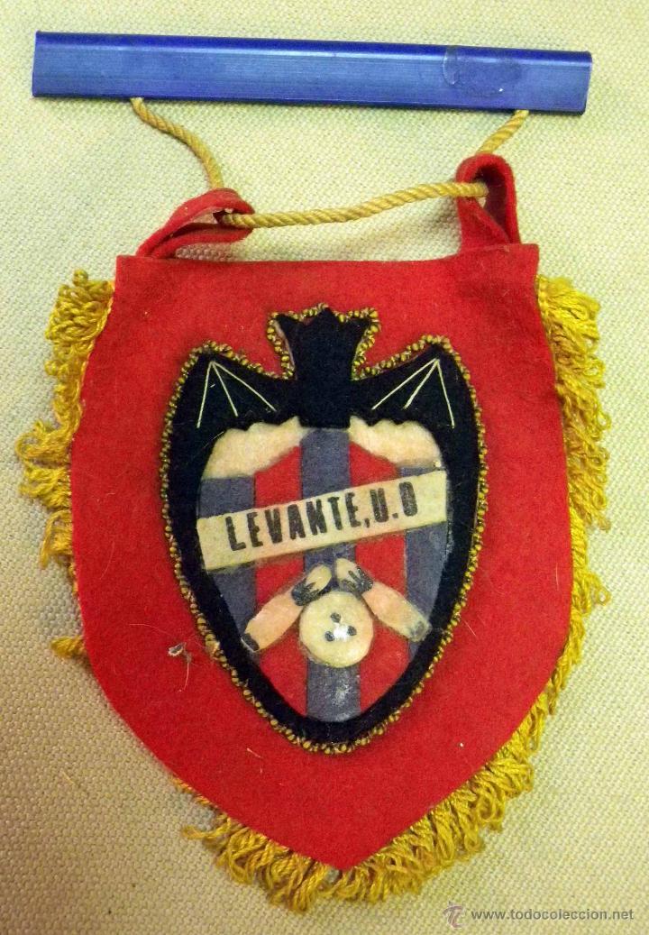 BANDERIN LEVANTE BOLOS U.D. (Coleccionismo Deportivo - Banderas y Banderines otros Deportes)
