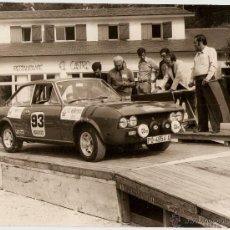 Coleccionismo deportivo: RALLY 6º A LAS RIAS BAJAS VIGO. FOTO 18X24.SALIDA DEL CASTRO..AÑO 1968 ENVIO PAGADO.. Lote 42925401