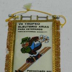 Coleccionismo deportivo: BANDERIN VII TROFEO ELEUTERIO ARIAS PARA VETERANOS, NAVACERRADA 1974, SIERRA GUADARRAMA, SKI, ALPINI. Lote 53884162