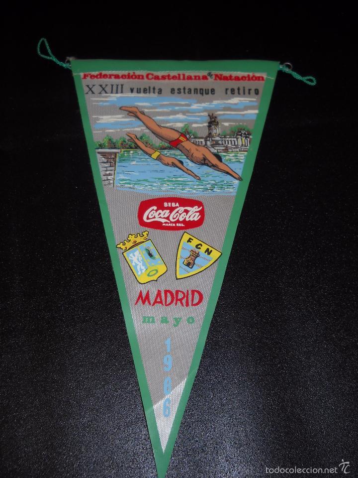 BANDERÍN FEDERACIÓN CASTELLANA DE NATACIÓN,VUELTA ESTANQUE DEL RETIRO 1966 (Coleccionismo Deportivo - Banderas y Banderines otros Deportes)