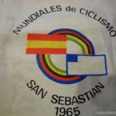 Coleccionismo deportivo: BANDERÍN MUNDIALES DE CICLISMO SAN SEBASTIAN 1965. Lote 82068096