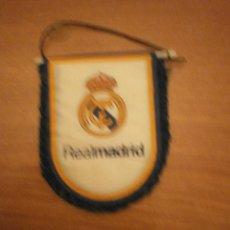 Coleccionismo deportivo: BANDERIN. REAL MADRID CLUB DE FUTBOL. Lote 56559618