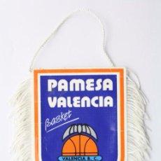 Coleccionismo deportivo: BANDERÍN DEL PAMESA VALENCIA - FLECOS BLANCOS - BASKET / BALONCESTO - MEDIDAS 12 X 8 CM. Lote 57486998