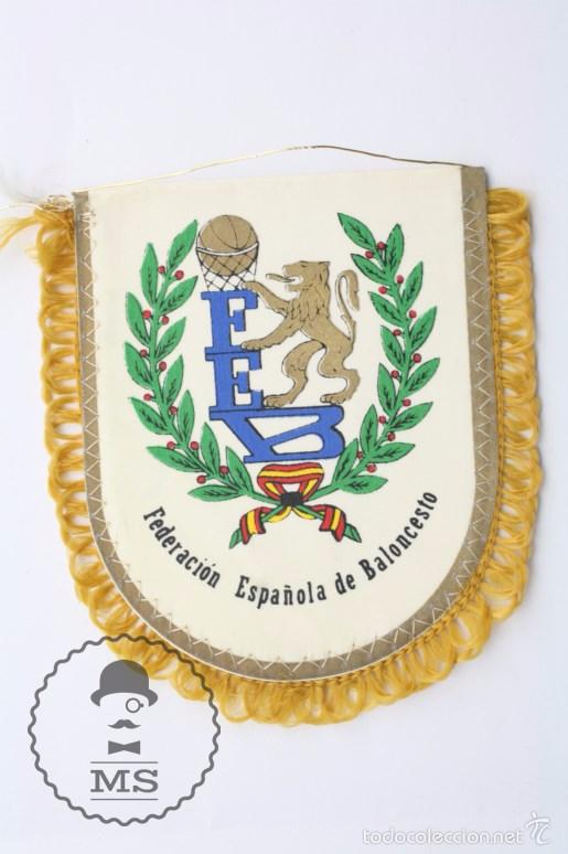 Coleccionismo deportivo: Banderín de la Federación Española de Baloncesto / FEB - Basket / Baloncesto - Medidas 12,5 x 11 cm - Foto 2 - 57487264