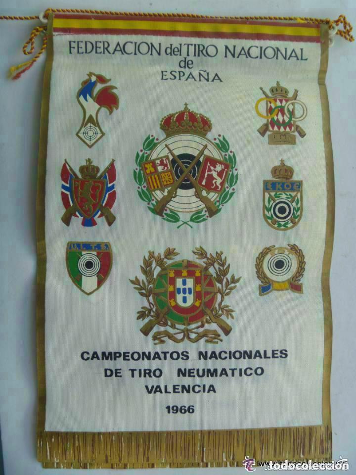 BANDERIN : FEDERACION TIRO NACIONAL DE ESPAÑA, CAMPEONATOS NLES. TIRO NEUMATICO. VALENCIA, 1966 (Coleccionismo Deportivo - Banderas y Banderines otros Deportes)