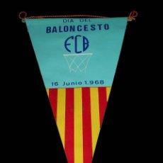 Coleccionismo deportivo: BANDERÍN TELA, DÍA DEL BALONCESTO, BASKET, FCB FEDERACIÓN CATALANA, 15 JUNIO DE1968.. Lote 69653085