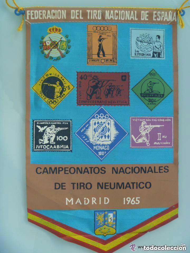 BANDERIN : CAMPEONATOS NACIONALES TIRO NEUMATICO . MADRID , 1965. (Coleccionismo Deportivo - Banderas y Banderines otros Deportes)