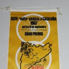 Coleccionismo deportivo: (M) BANDERIN CICLISMO - XLVII VOLTA CICLISTA A CATALUÑA 1967 UD SANS , GRAN PREMIO. Lote 128345140