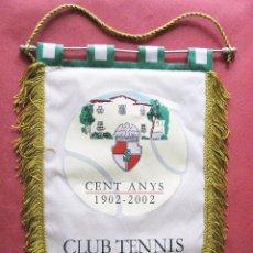 Coleccionismo deportivo: GRAN BANDERIN DE TENIS - CLUB DE TENNIS LA SALUDO - BARCELONA - 1902 - 2002 - ANIVERSARIO CIEN AÑOS. Lote 97066563