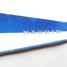 Coleccionismo deportivo: BANDERIN ESTUDIANTES BALONCESTO MADRID BASKET TELA SUPER GRANDE 67 X 23 DEMENCIA. Lote 192437058