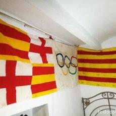 Coleccionismo deportivo: BANDERA DE BALCON JUEGOS OLIMPICOS DE BARCELONA...ORIGINAL---CATALUNYA --1992--3 METROS. Lote 106446419