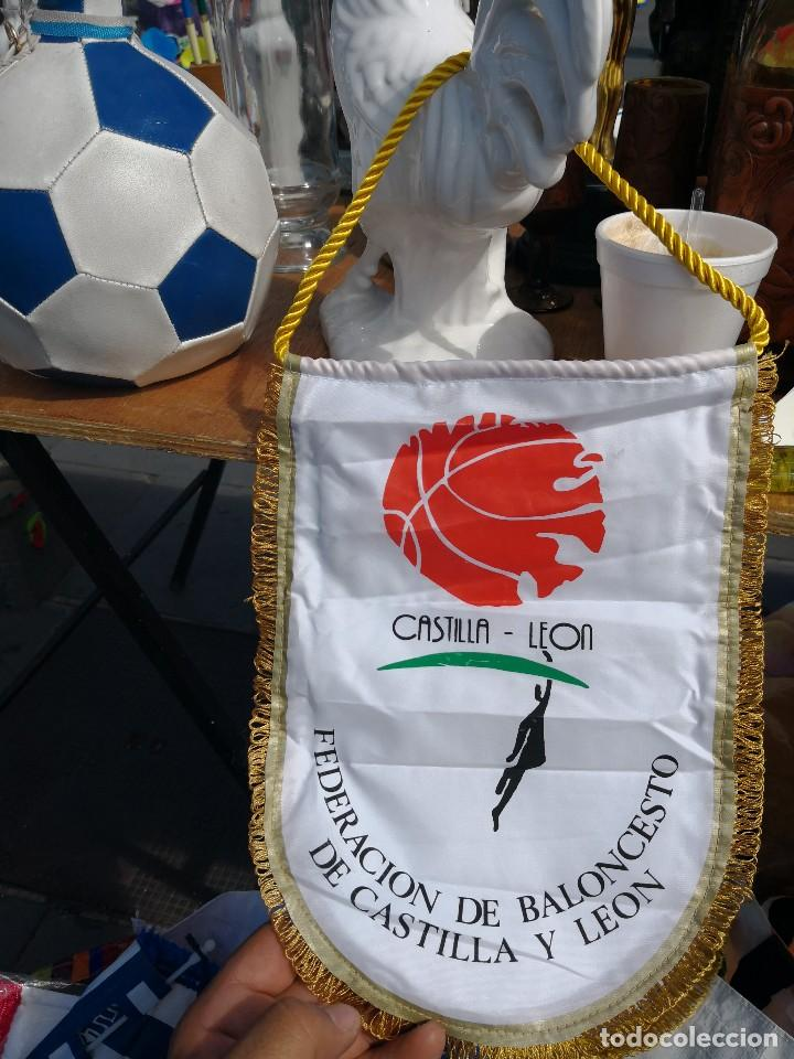 BANDERIN FEDERACIÓN DE BALONCESTO CASTILLA Y LEON (Coleccionismo Deportivo - Banderas y Banderines otros Deportes)