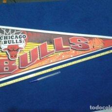 Coleccionismo deportivo: BANDERIN CHICAGO BULLS MADE IN USA 77 CM ( SLAM DUNK ) ORIGINAL . Lote 116875423