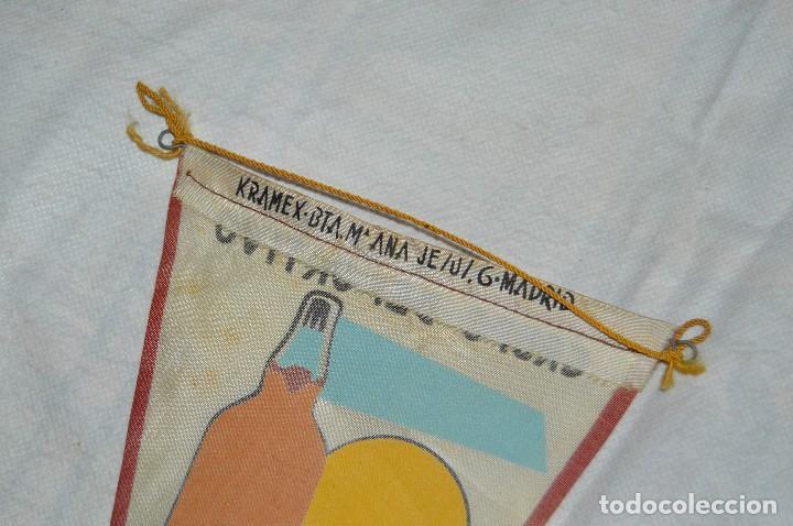 Coleccionismo deportivo: VINTAGE - ANTIGUO BANDERÍN - GRUPO DEPORTIVO LICOR 43 - VUELTA CICLISTA A ESPAÑA 1959 - HAZ OFERTA - Foto 7 - 118187991