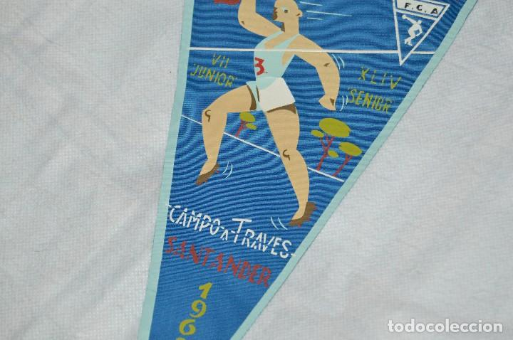 Coleccionismo deportivo: VINTAGE - ANTIGUO BANDERÍN DEPORTIVO - CAMPEONATO ESPAÑA CAMPO A TRAVES - 1962 - JOYA - HAZ OFERTA - Foto 3 - 118189063