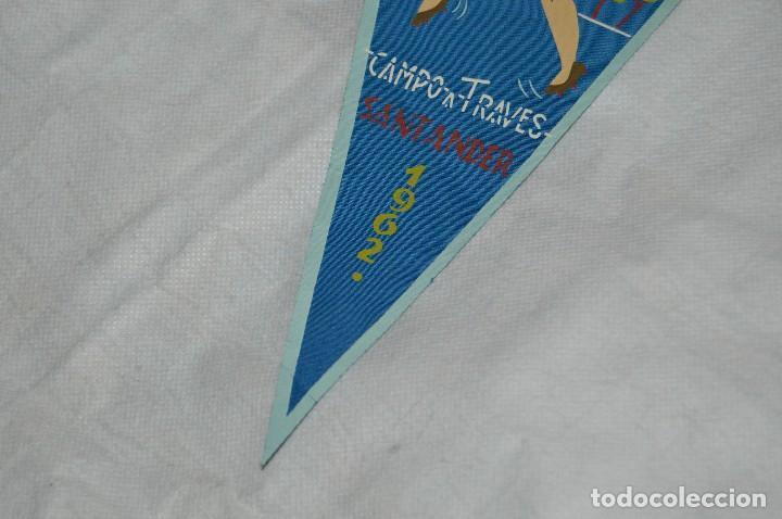Coleccionismo deportivo: VINTAGE - ANTIGUO BANDERÍN DEPORTIVO - CAMPEONATO ESPAÑA CAMPO A TRAVES - 1962 - JOYA - HAZ OFERTA - Foto 4 - 118189063