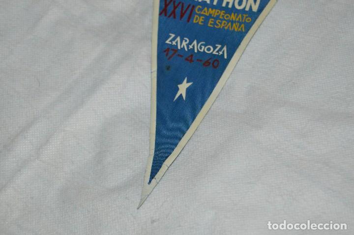 Coleccionismo deportivo: VINTAGE - ANTIGUO BANDERÍN DEPORTIVO - XXVI CAMPEONATO ESPAÑA MARATHON - 1960 - JOYA - HAZ OFERTA - Foto 4 - 118189419