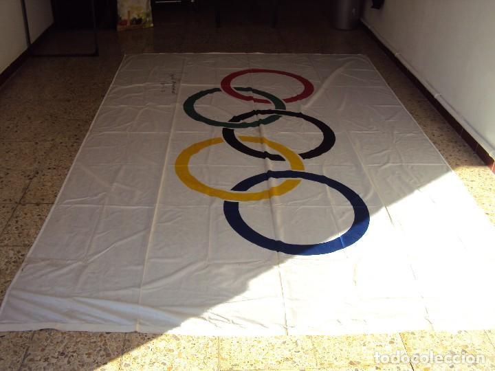 Coleccionismo deportivo: (F-180456)BANDERA OFICIAL OLIMPICA - BARCELONA 92 - FIRMADA POR D.JUAN ANTONIO SAMARANCH - - Foto 11 - 118251567