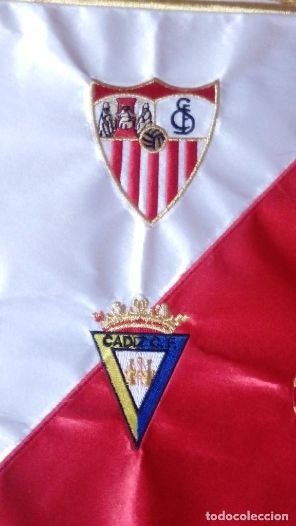 Coleccionismo deportivo: Banderin Match Worn Trofeo Carranza 2010 Sevilla FC,RCD Espanyol,Cadiz ,Atlético Madrid - Foto 3 - 121122767