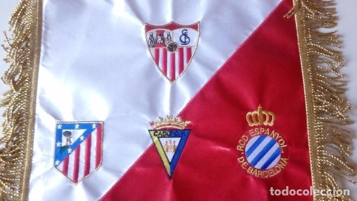 Coleccionismo deportivo: Banderin Match Worn Trofeo Carranza 2010 Sevilla FC,RCD Espanyol,Cadiz ,Atlético Madrid - Foto 4 - 121122767