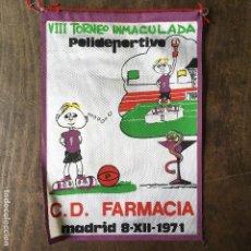 Coleccionismo deportivo: BANDERÍN DE ATLETISMO DEL VIII TORNEO INMACULADA POLIDEPORTIVO C.D. FARMACIA MADRID 8-XII-1971. Lote 122873007