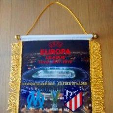 Coleccionismo deportivo: BANDERIN ATLETICO DE MADRID-OLYMPIQUE MARSEILLE FINAL EUROPA LEAGUE 2018. Lote 143049998