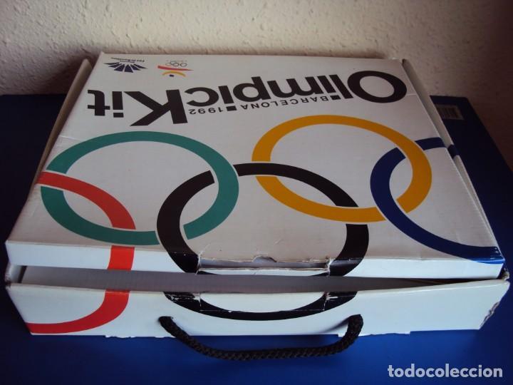 Coleccionismo deportivo: (F-180924)OLIMPIC KIT.CEREMONIA INAGURACION JJOO BARCELONA 92 Olimpic Kit para el público-participa - Foto 31 - 132651990