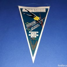 Coleccionismo deportivo: BANDERÍN TELA, IX CAMPEONATOS ABSOLUTOS Y II FEMENINOS DE ATLETISMO. PALENCIA, 26-29 JUNIO 1966.. Lote 133589026