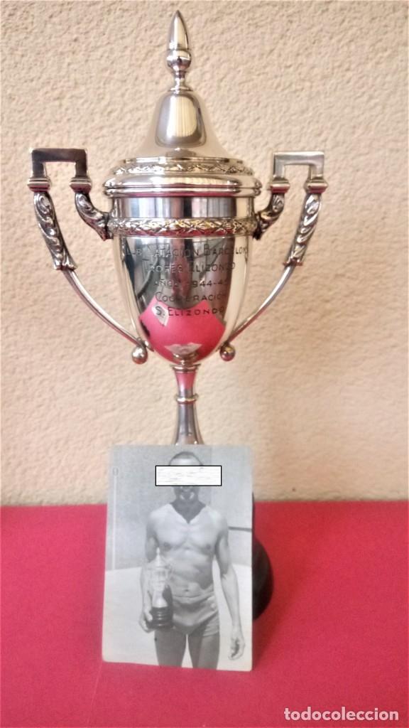 Coleccionismo deportivo: CLUB NATACION BARCELONA,AÑO 1945 TROFEO DE FRONTON,BANDERIN SOBRE MESA Y 3 FOTOGRAFIAS,BARCELONETA - Foto 2 - 137796854