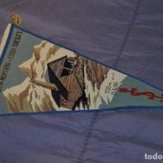 Coleccionismo deportivo: VINTAGE - ANTIGUO BANDERÍN - AGRUPACIÓN DE MONTAÑA Y ESQUI SOLVAY - 1961 - ANTIGUO - ENVÍO 24H. Lote 150160218