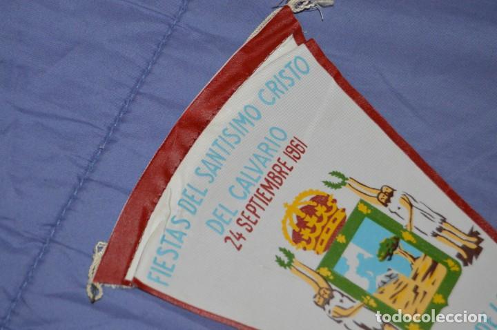 Coleccionismo deportivo: Vintage - ANTIGUO BANDERÍN - FIESTAS DEL SANTISIMO CRISTO DEL CALVARIO - ICOD 1961 - ENVÍO 24H - Foto 2 - 150160402