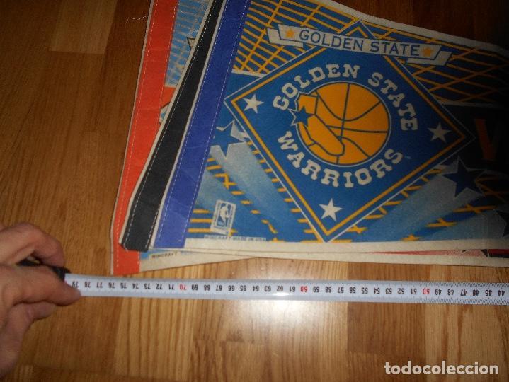Coleccionismo deportivo: 3 BANDERINES BALONCESTO BASKET G. S. WARRIORS CHICAGO BULLS KNICKS EPOCA JORDAN AÑOS 80 - Foto 6 - 152218402