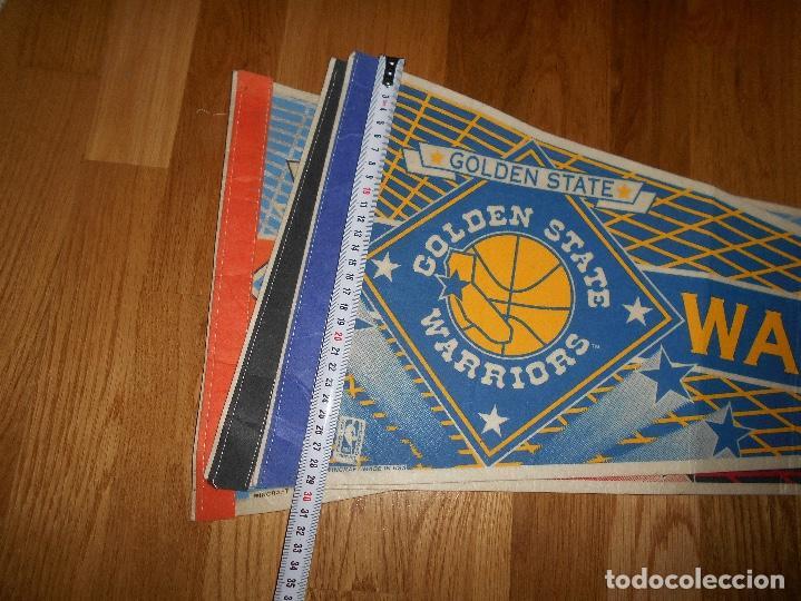 Coleccionismo deportivo: 3 BANDERINES BALONCESTO BASKET G. S. WARRIORS CHICAGO BULLS KNICKS EPOCA JORDAN AÑOS 80 - Foto 7 - 152218402