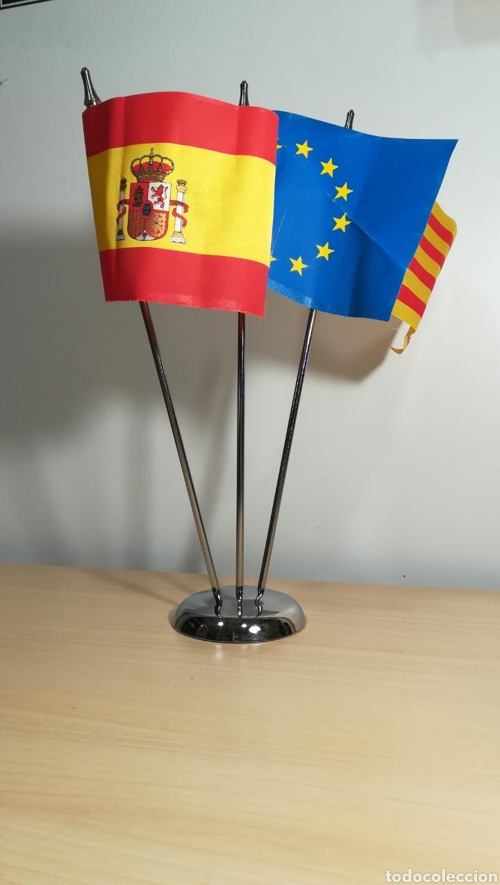 Coleccionismo deportivo: Banderas de mesa JJOO Barcelona 92 - Foto 2 - 154713366