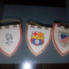 Coleccionismo deportivo: LOTE DE 3 BANDERINES DEPORTE- CRUYFF - BARCELONA Y ATHLETIC BILBAO. Lote 156720096