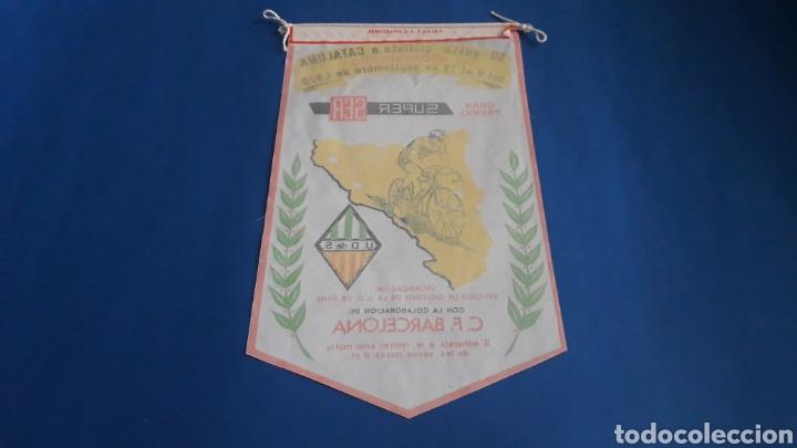 Coleccionismo deportivo: Banderín tela, 50 Volta Ciclista Cataluña, Bodas de Oro, Gran Premio Super Ser, U.D. Sans, año 1970. - Foto 2 - 165692340