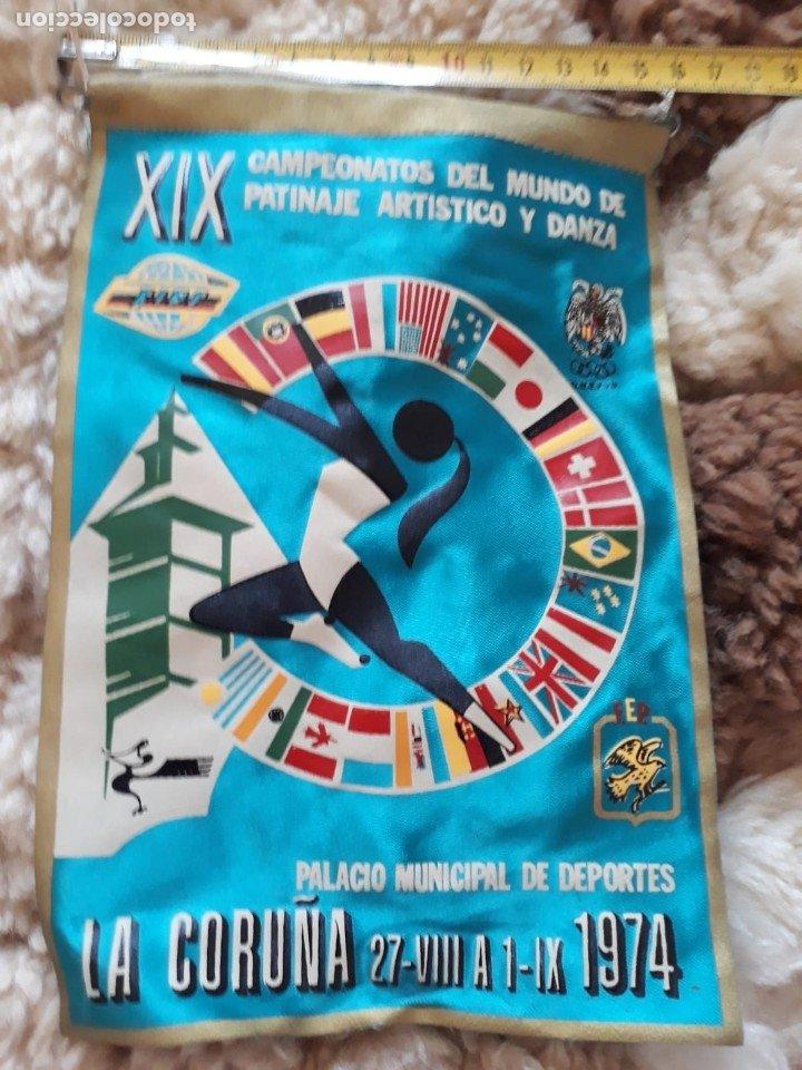 BANDERIN DEL XIX CAMPEONATO DEL MUNDO DE PATINAJE ARTÍSTICO Y DANZA (Coleccionismo Deportivo - Banderas y Banderines otros Deportes)